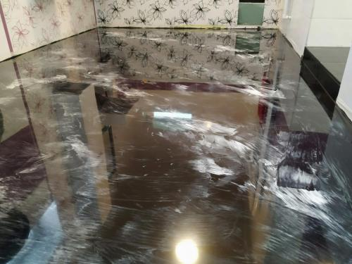 Liata podlaha kúpeľňa
